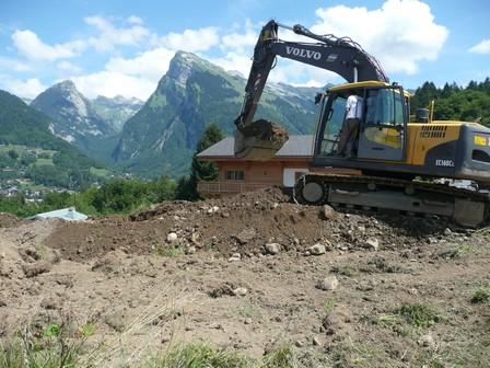 Tractor digging